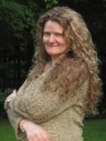 Tara Fox Hall guest blogging on Carte Blanche by Amelia Curzon